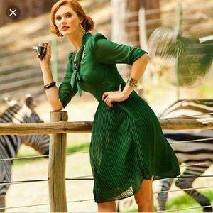 SHABBY APPLE Green Secretary Necktie Dress